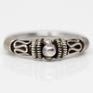 Jewelry - BALI Sterling Eternal Curve Beaded Ring 5.75